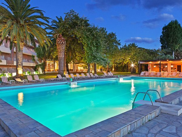 Long Beach Hotel Loggos Aigio 06