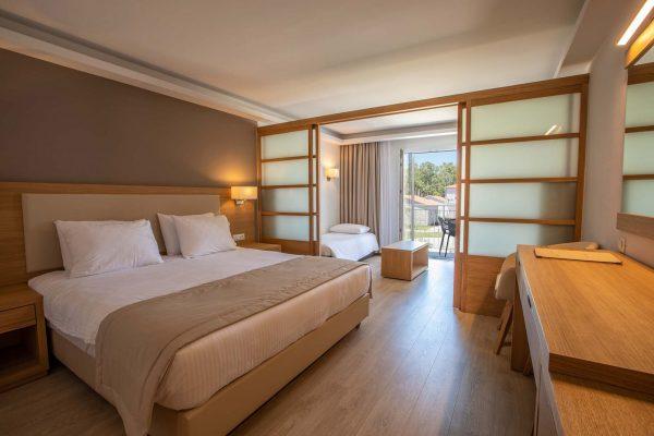 Paleros Beach Hotel Palairos 03