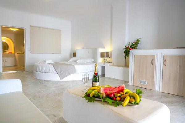 Διακοπές στη Σαντορίνη - Splendour Resort 3* 06
