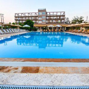 Διακοπές στο Ξυλόκαστρο - Aqua Mare Resort 3* 03